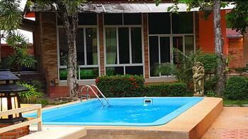 Phalaburi Resort