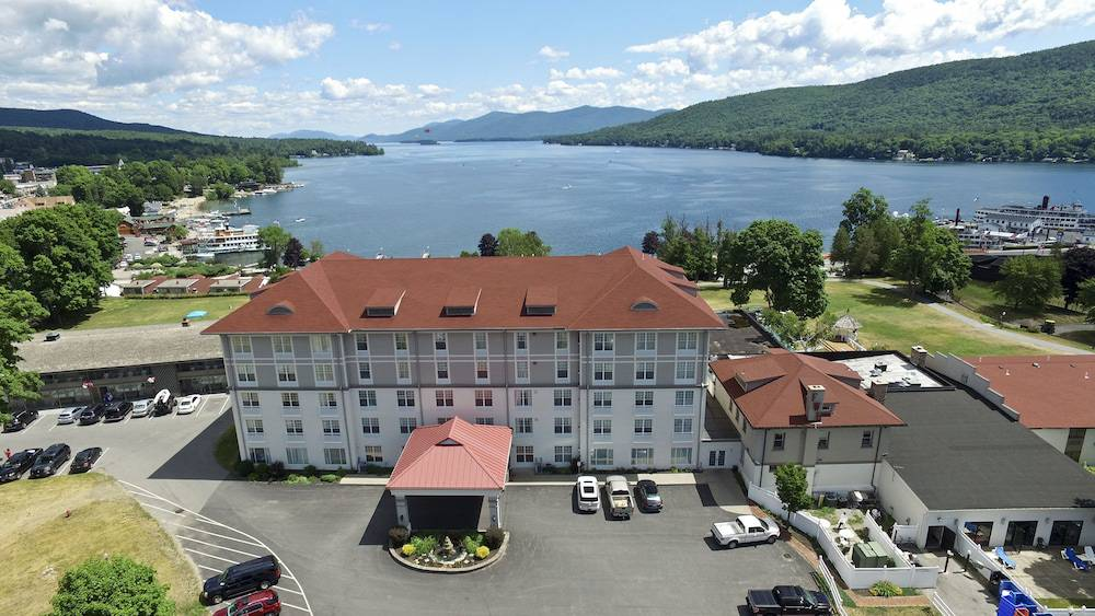 Fort William Henry Hotel & Conference Center
